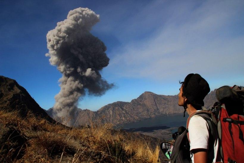 Indoneesias ägestus tulemägi, 400 turisti evakueeriti