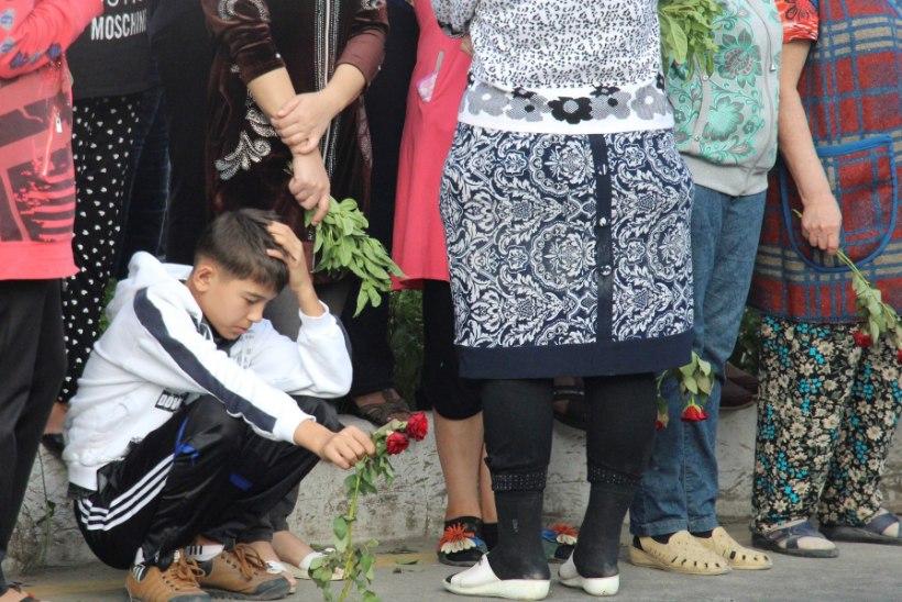 GALERII | Usbekistan matab täna oma karmikäelise riigipea