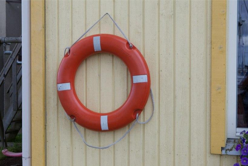 Kihnu lähedal jäi merel kadunuks 55-aastane kalur