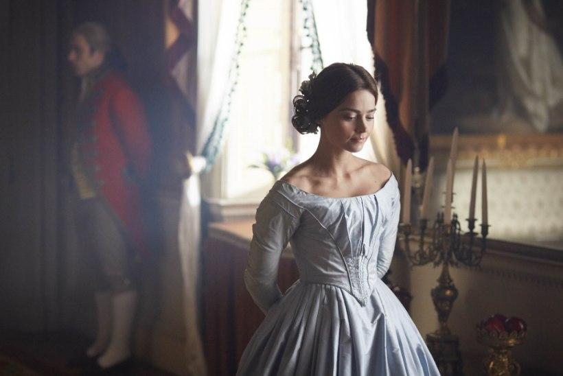 Telepublik nördinud: kuninganna Victoria osatäitja on liiga ilus!