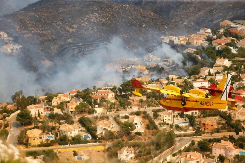 GALERII JA VIDEO | Hispaania kuurorti rüüstab ulatuslik põleng, turistid evakueeriti villadest ja hotellidest