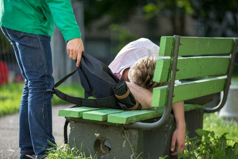Pargipingil maganud mehelt varastati seljakott 12000 euroga