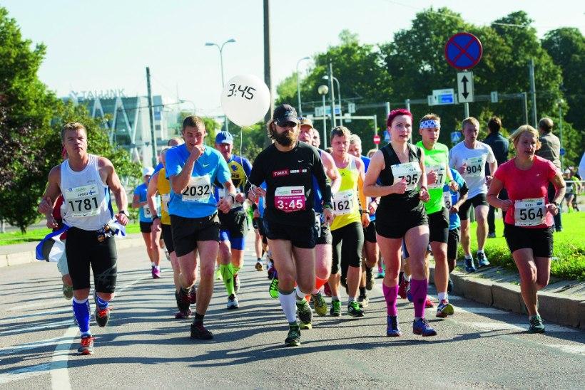Tallinna maratoni staazikamad tegijad: Miks kandis tempomeistet Andrus Rüütelmaa kahte jooksukiipi korraga?
