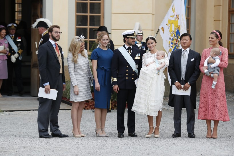 GALERII | Rootsi kuningakoja noorim liige käitus oma ristimisel eeskujulikult