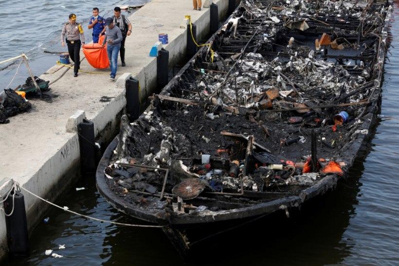 Indoneesias süttis praam, hukkus vähemalt 23 inimest