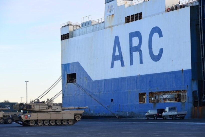 Saksamaale Bremerhavenisse saabus sadu USA tanke, suurtükke ja muud sõjatehnikat