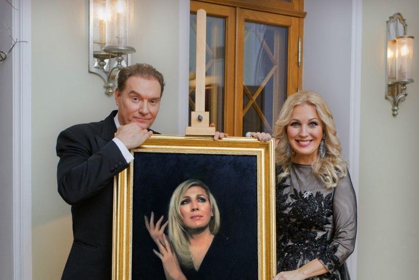 Annely Peebo: see lõi mu jalust, kui sain lisaks ordenile kingiks Mart Sanderi maalitud portree
