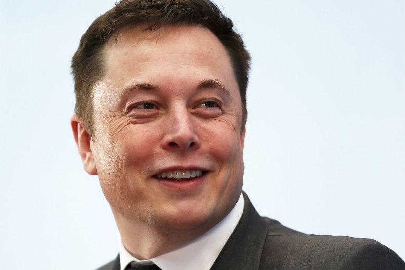 Värskelt lahutatud supermodell noolib miljardär Elon Muski?