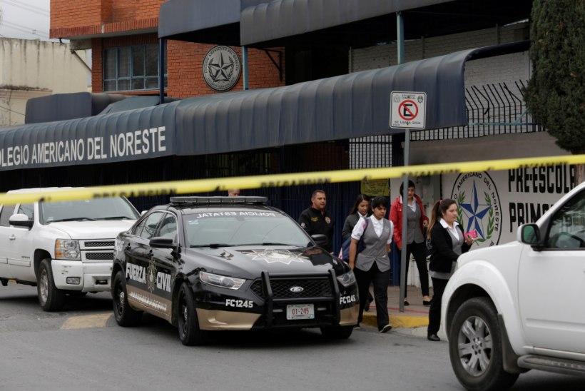 FOTOD | Mehhikos Ameerika koolis oli tulistamine