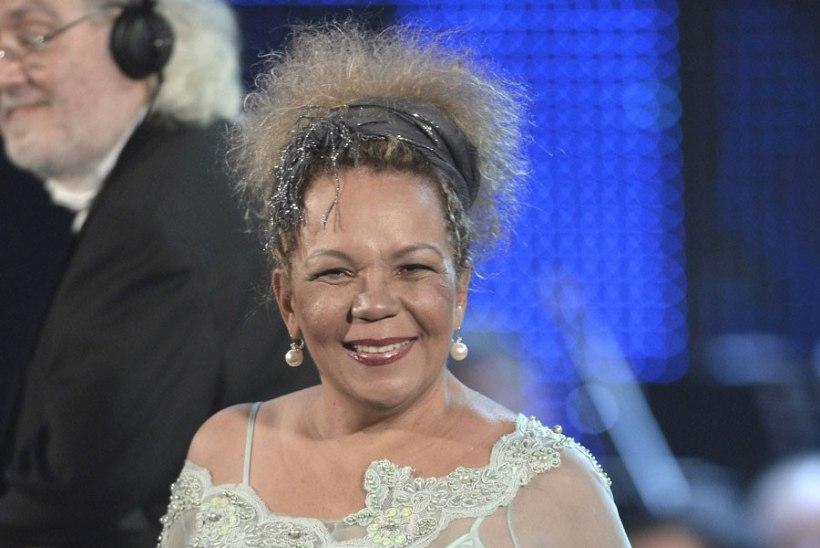 """""""Lambada"""" laulja Loalwa Braz leiti põlenud autost surnuna"""