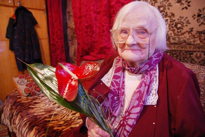 """103aastane tartlanna soovitab: """"Püüdke elus ikka halbu asju naljaks keerata – nii on olemine kergem."""""""
