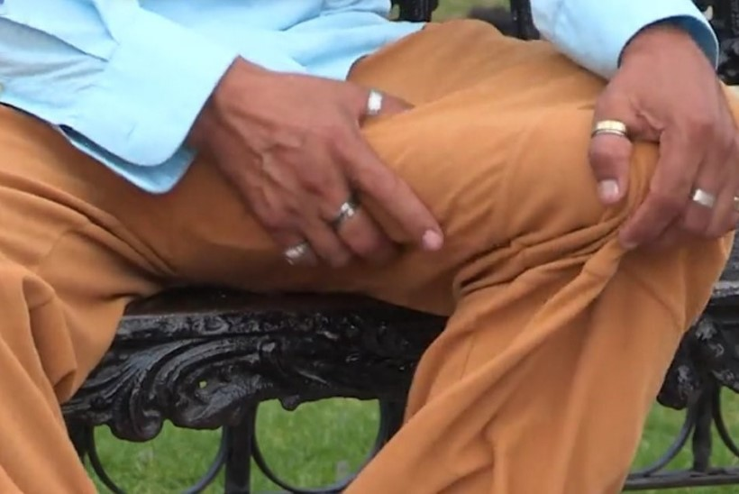 POLE ÕNNISTUS, VAID NUHTLUS: mehhiklase poolemeetrine peenis on seksimiseks liiga suur