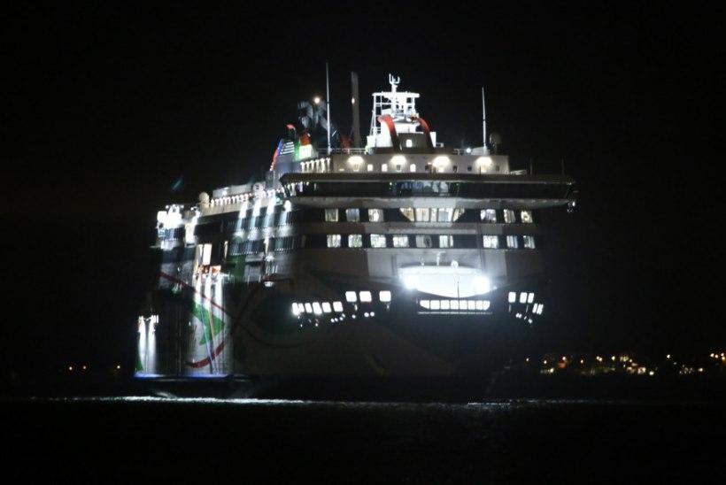 ÕHTULEHE VIDEO JA GALERII   Megastar saabus kodusadamasse