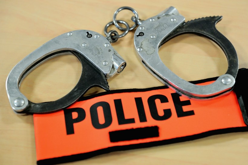 Mees röövis panka, et naise eest pääsemiseks vangi minna