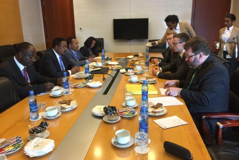 """FOTOD   Välisminister Mikser Etioopias: """"Eesti suhted Aafrika riikidega on viimasel viiel aastal tihenenud."""""""