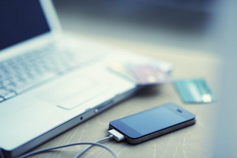 MIS ON PLUSSID JA MIINUSED? Kas valid reisikindlustuse ise, kasutad krediitkaarti või hoopis ostad sõnumi teel?