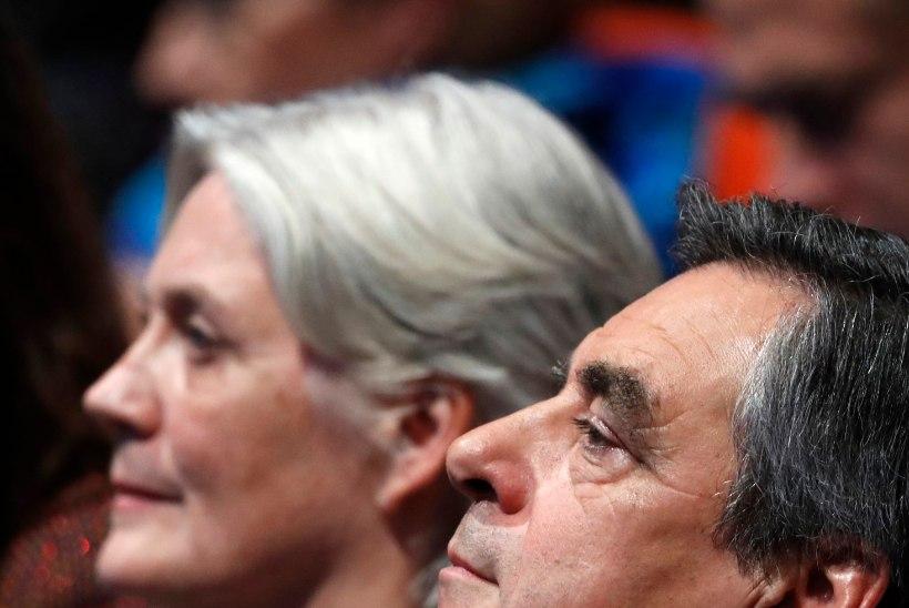Prantsuse presidendikandidaat maksis naisele suure summa raha fiktiivse töö eest?