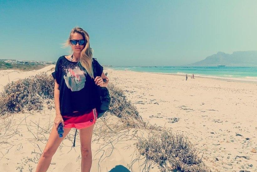 Katrin Siska veedab Lõuna-Aafrikas surfipuhkust!