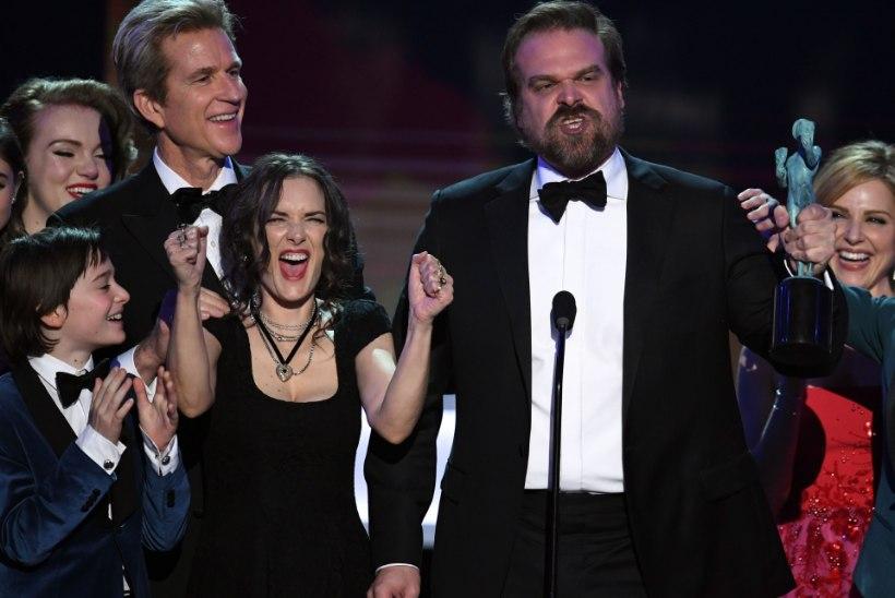 TÄIS VÕI LAKSU ALL?! Winona Ryderi näoilmed auhinnagalal on omaette vaatemäng!