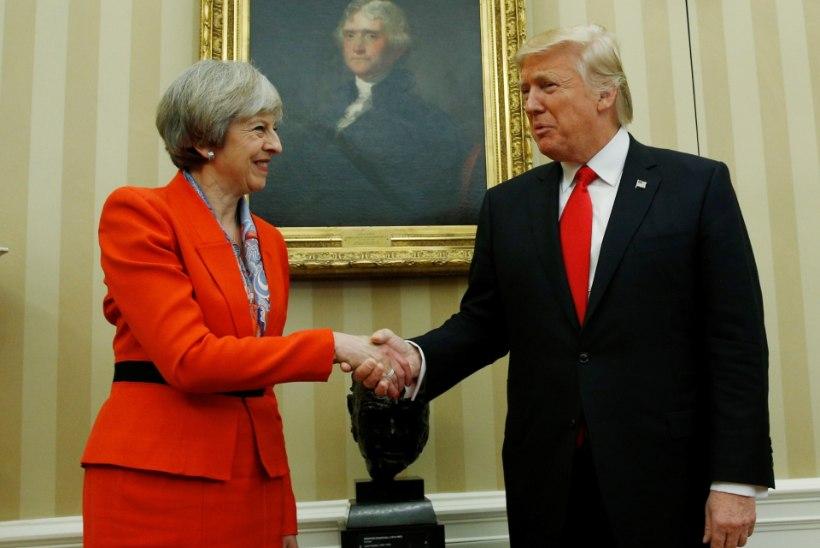 Immigratsioonikeelu vastukaja: üle miljoni briti nõuab Trumpi visiidi tühistamist