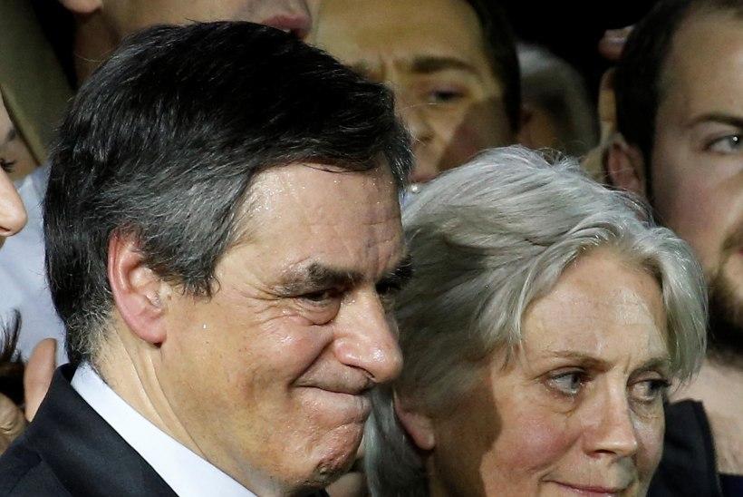 Francois Fillon viibis abikaasaga ülekuulamisel, mis kestis tunde