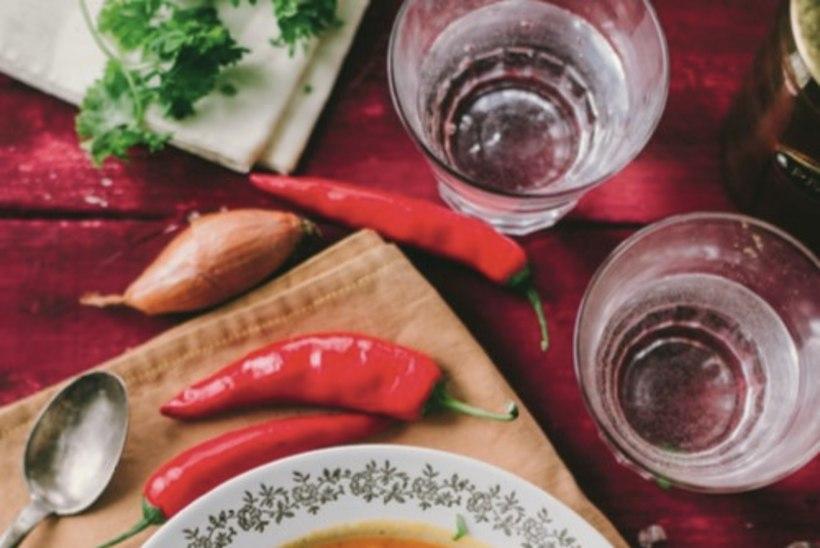 Läätse-tomatisupp kookospiimaga