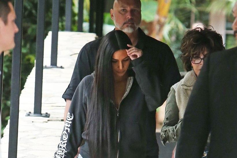 UUS MOERÖÖGATUS? Kim Kardashian kandis maailma kõige katkisemaid pükse