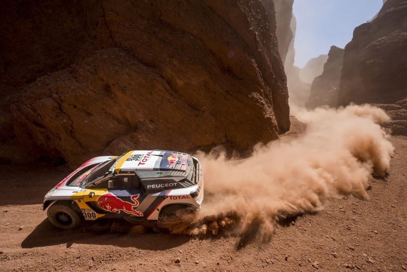 Gigantide duell Dakaril – kas koore riisub rallilegend Loeb või kõrbekuningas Peterhansel?