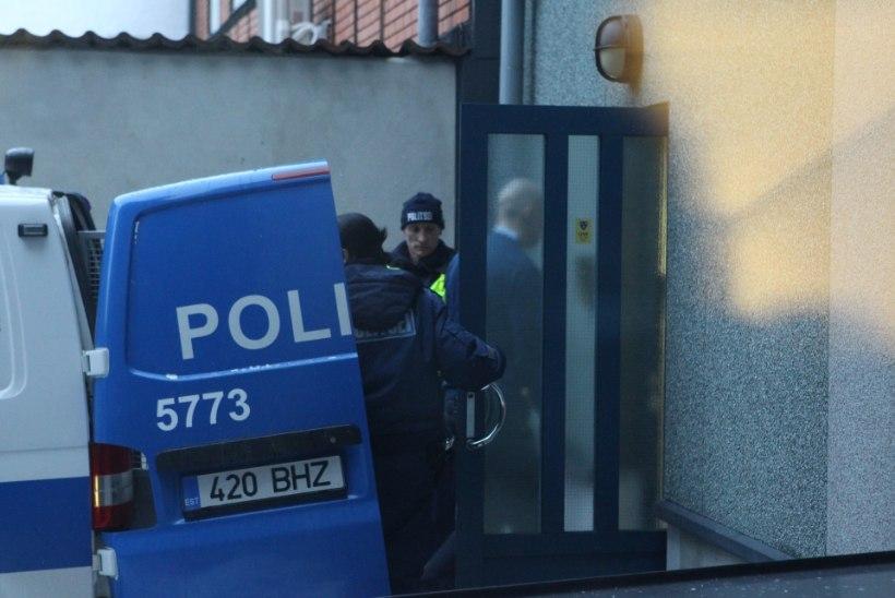FOTOD KOHTUST | Pärnu taksojuhi mõrvas süüdistatavad vennad astusid kohtu ette