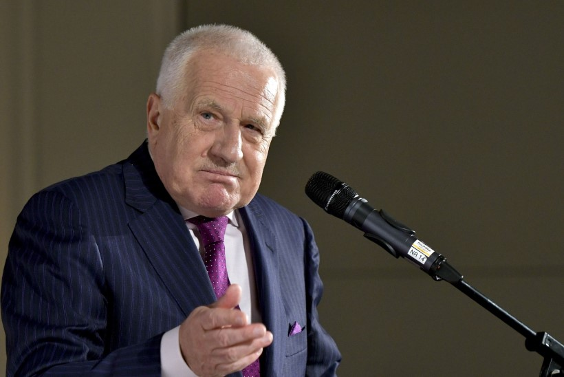 Tšehhi endine riigipea süüdistas massisisserändes Euroopa eliiti