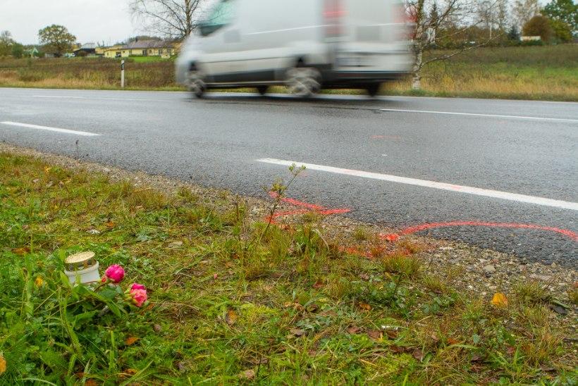 Hukkunud tüdruku koolikaaslased ei mõista, miks sõitis laps maanteel, kui selle kõrval on kergliiklustee