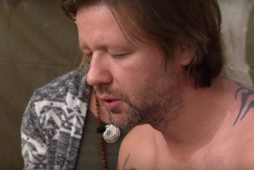"""VIDEO ARHIIVIST   Robert Kõrvits proovis """"Radaris"""" konnamürki, mille seansil suri inimene"""