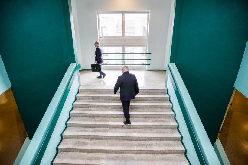 FOTOD KOHTUST | Prokurör nõuab Reiljanile rahalist karistust