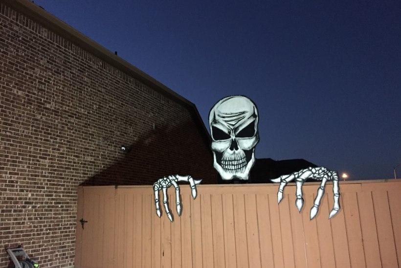 TEE ISE: hirmutis halloween'iks