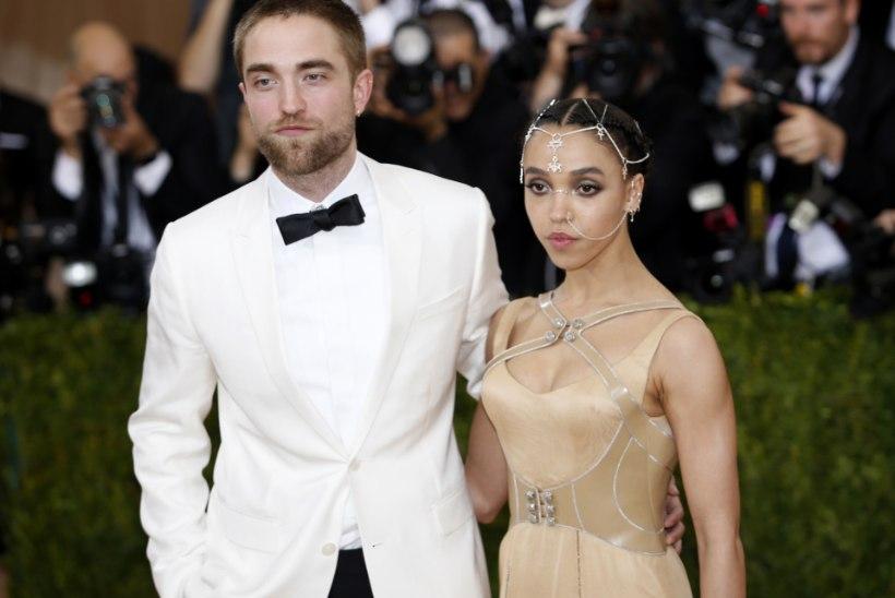 """""""Videviku"""" täht Robert Pattinson läks pruudist lahku?"""