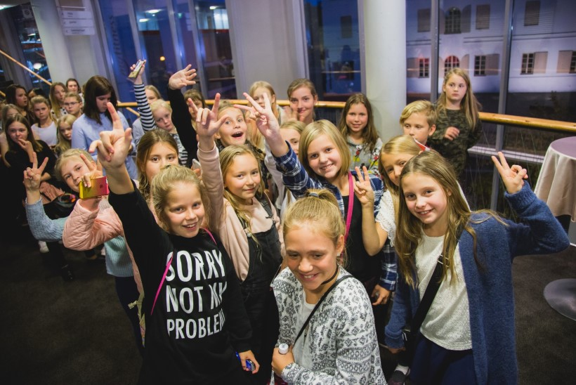 GALERII | Kuulsad youtuberid ühendasid Pärnu noortele räpi ja klassikalise muusika
