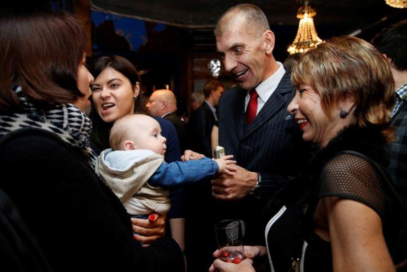 Valimispeod möödusid koos ootusärevuse ja joovastava alkoholiga