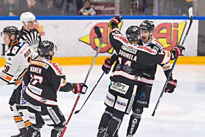 PÜSS PAUGUB! Robert Rooba viskas taas Soomes värava