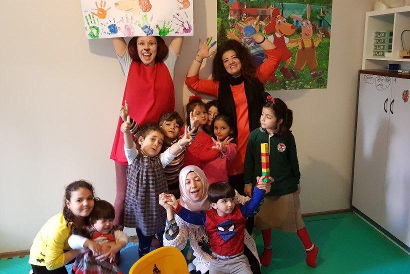 FOTOD | Istanbulis avatakse pagulaslastele Lotte-teemaline mängutuba