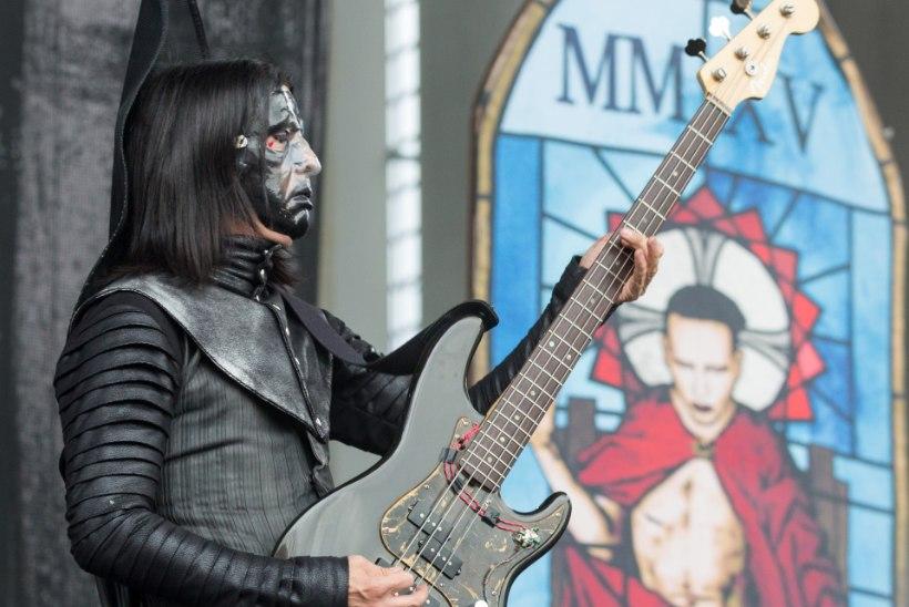 Marilyn Mansoni bassimeest süüdistatakse vägistamises