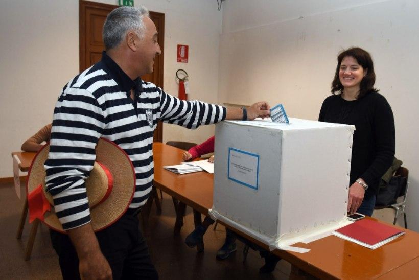 Kataloonia autonoomiat piiratakse, Itaalia maakonnad nõuavad seda juurde