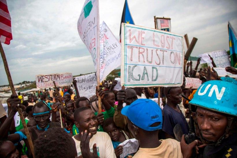 Ühendriikide suursaadik ÜROs pidi Lõuna-Sudaani põgenikelaagrist põgenema