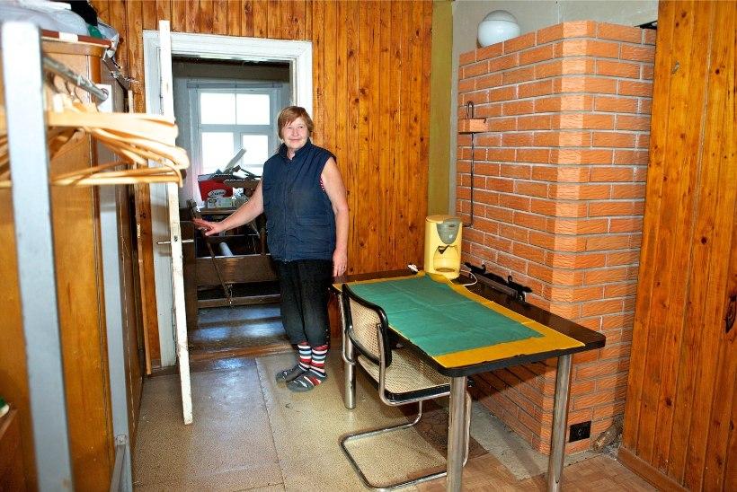 """""""Naabriplika"""" külas käärib: Esna rahva vastuseis külmutas seltsimaja võõrandamise"""