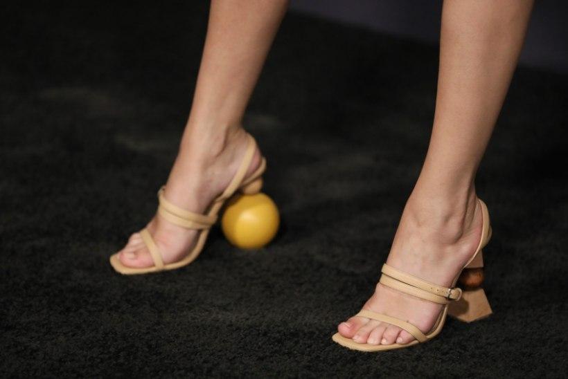 Selena Gomez kandis moegalal kreisisid kingi