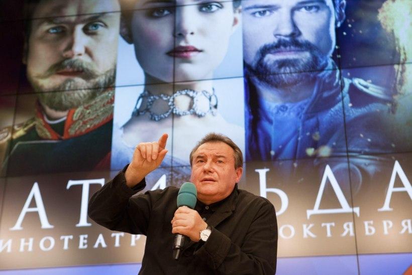"""ÄHVARDUSED JA ARRETEERIMINE: Vene filmi """"Matilda"""" esilinastus tekitas lahkhelisid"""