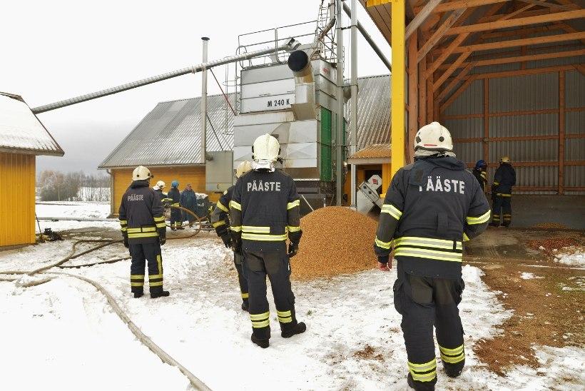 FOTOD | Viljandimaal põles viljakuivati