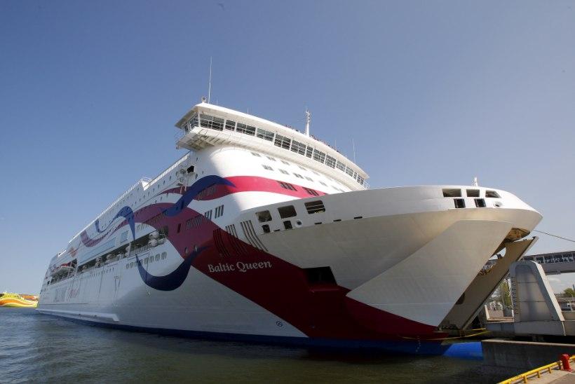 Ehmatus Tallinki laeval: kas reisija kukkus üle parda?