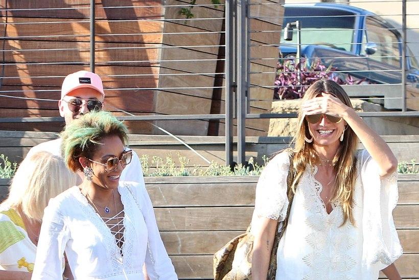 NAGU KAKSIKUD! Sõbratarid Heidi Klum ja Mel B nautisid pereringis rannamõnusid