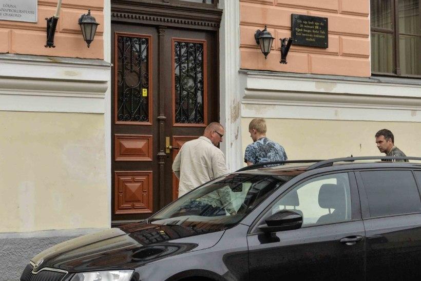 Prokuratuur saatis Viljandis neiu mõrvas süüdistatava noormehe kohtu ette