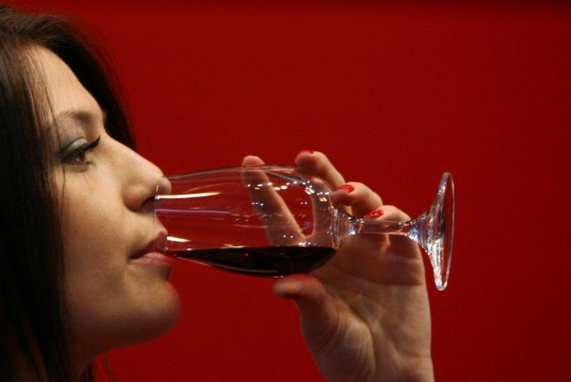TEADLASED: punane vein aitab naistel rasestuda